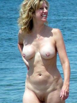 ideal full-grown lady beach porn