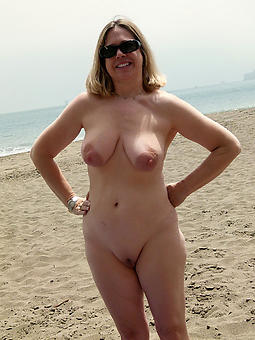 nude full-grown lady run aground bowels amature porn pics