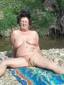 hotties mature laddie undress beach photos