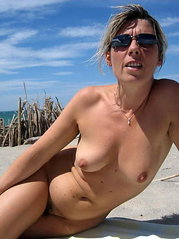 mature lady in rub-down the lead littoral amature porn