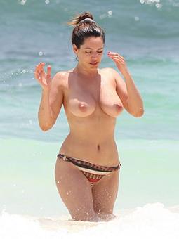 handsome nude old beach ladies