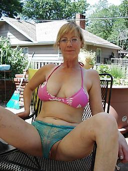 mature mammy bikini amature milf pics