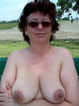 brunette mature aristocracy porn pic