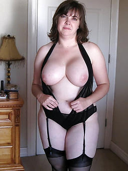 unclothed pictures of chubby of age lady