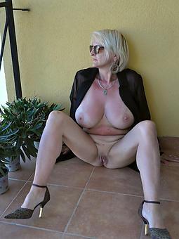 amatuer mighty heeled matures naked