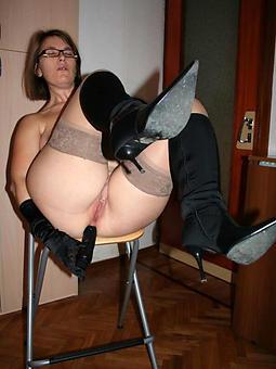 amature high heeled matures porn