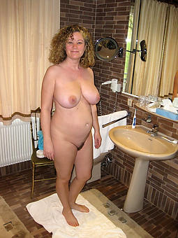 nice housewives mummy