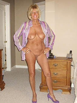 natural beautiful full-grown legs porn pics