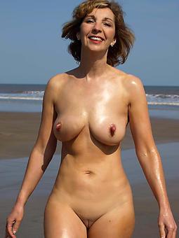 hotties gentlemen with large nipples pictures