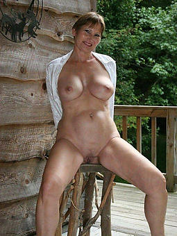 german naked grown-up ladies outdoors pics