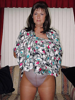 older ladies in pantyhose porn galleries