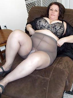 ladies wearing pantyhose free porn