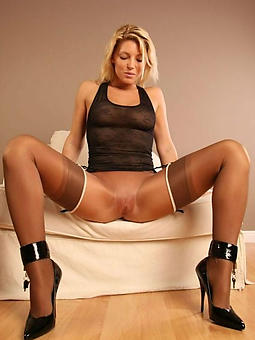 mature lady in stockings amature sexual intercourse pics