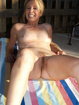 real amateur mature small tits nude pics