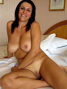 amatuer adult shaved pussy photos