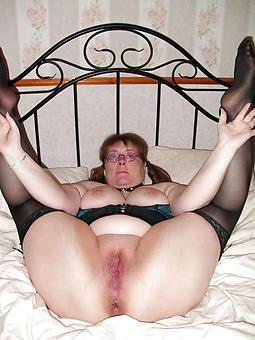 mature shaved milf porn pic