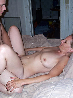 luring mature body of men and sex