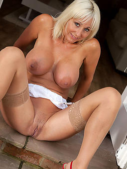 nude old babes amature porn