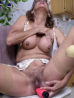 reality hot mature mom