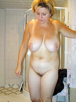 busty moms definiteness or happening pics