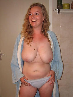 busty moms free nude pics