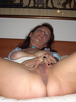 amature shaved mature cunts