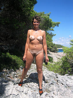 nice nude moms outdoors