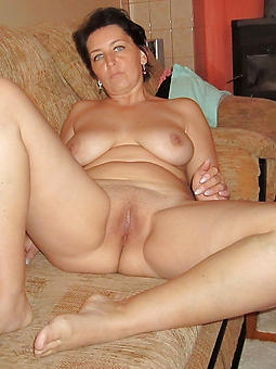 reality shaved mature cunt