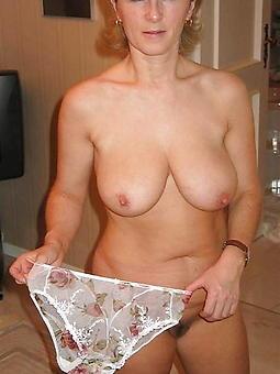 mature showing panties free porn pics