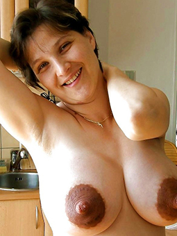 mature mammy tits twit