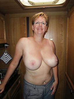 curvy mature mam tits