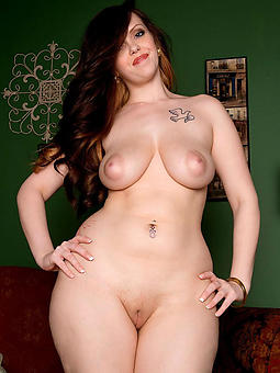 naked curvy ladys stripping