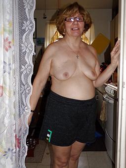 naked mom forth glasses porn tumblr