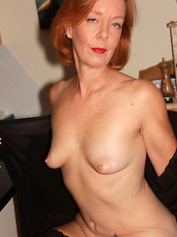 Moms nude pictures