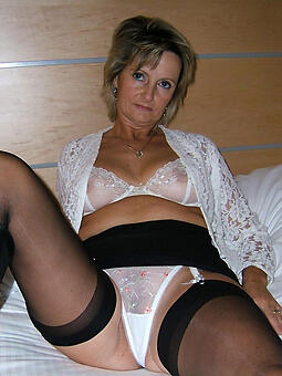 hot strata in lingerie freebooting