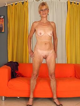 natural nude women legs porn pics