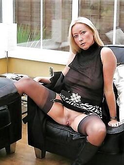 amateur mature moms in stockings porn tumblr