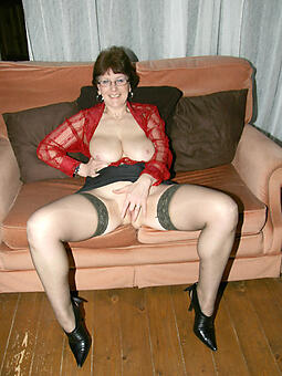 sexy mature moms anent stockings amateur free pics