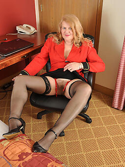unconditioned sexy mature women anent stockings