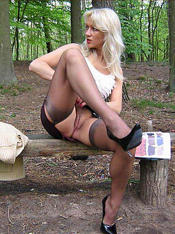 hotties bald moms outdoors