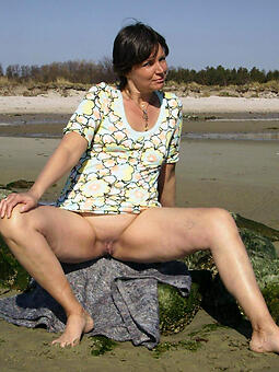 positive naked moms outdoors pics