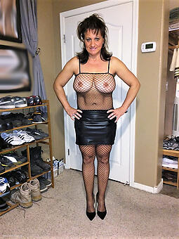 naked older wifes mediocre pics