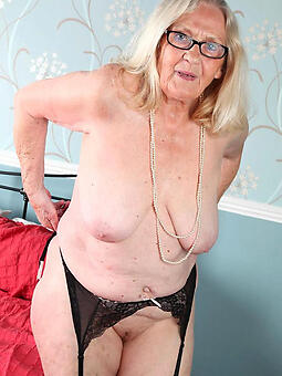 unassuming moms over 60 naked pics