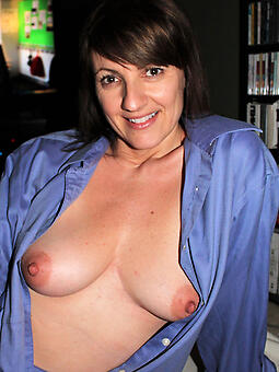 pretty mom pictures free naked pics