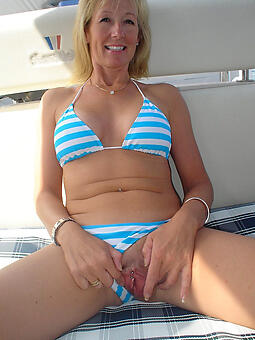 sexy grown-up lady in bikini unorthodox porn pics