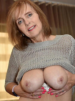 amature mom show tits