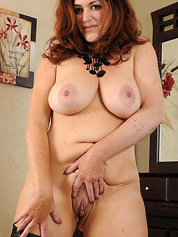 porn pictures of sexy nude moms