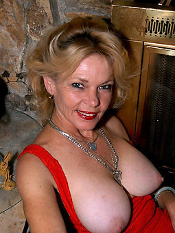 easy mature tits stripping
