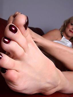maw feet free naked pics