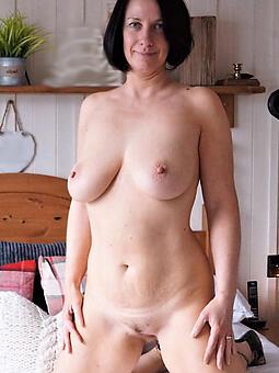 sexy pretty naked ladies free porn pics